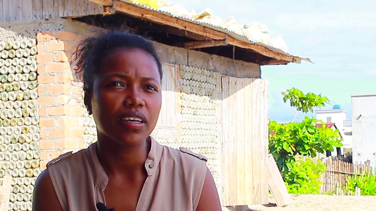 VIDEO # MADAGASCAR Valoriser les déchets, le défi de l'Ecovillage de Tamatave à Madagascar