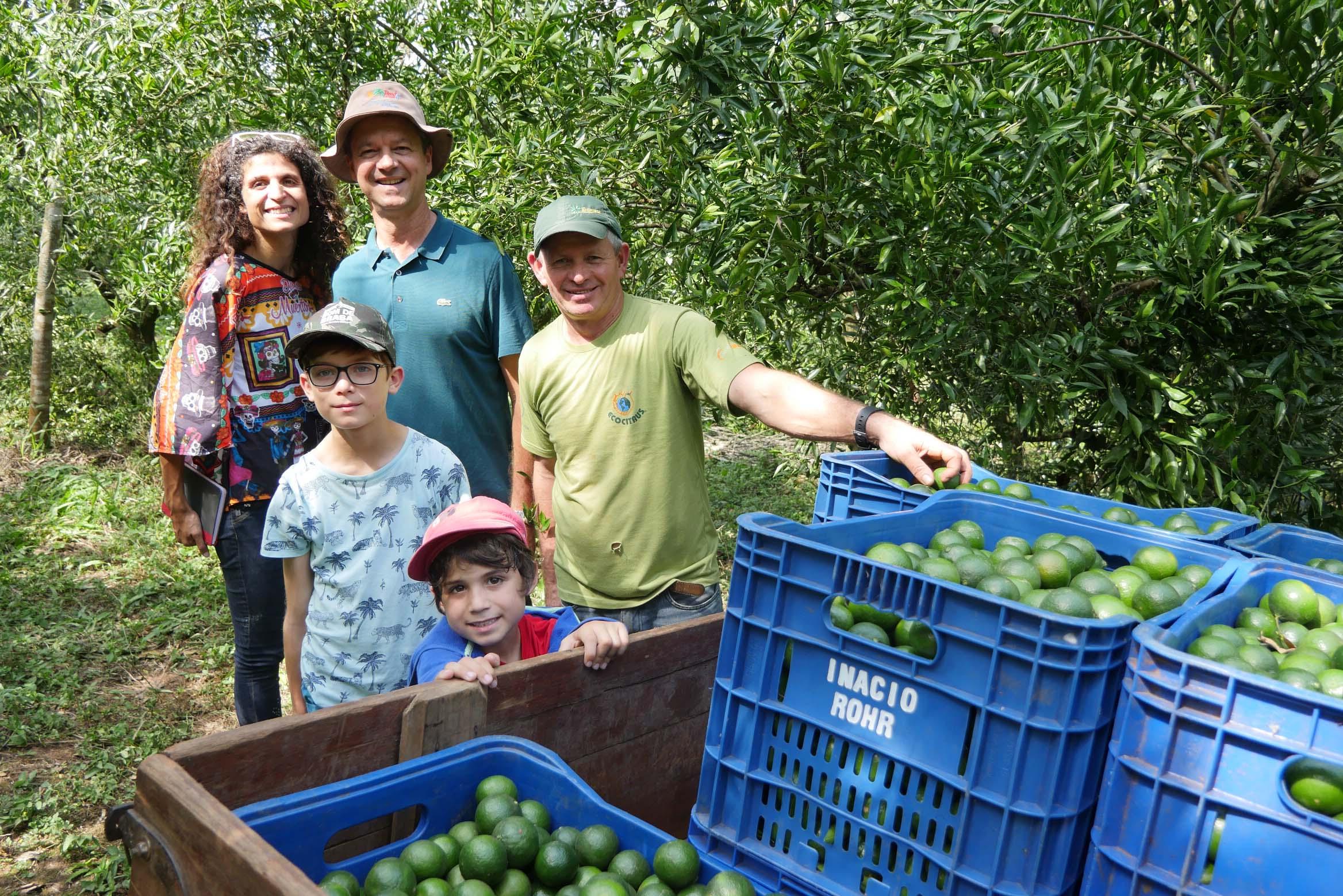 VIDEO BRESIL # Les secrets de la mandarine biodynamique chez ECOCITRUS, coopérative de producteurs de mandarines/oranges bio et équitable