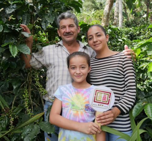 Adin RAMOS, su hija Idalma RAMOS y nieta Caterine RUBIO