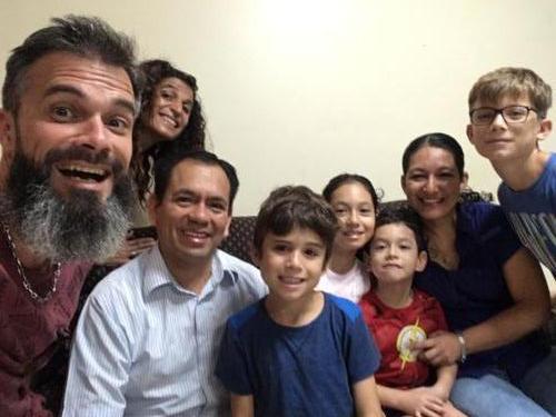 Avec la famille de Javier Sol y Café