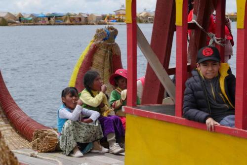 Bateau traditionnel, îles Uros (4)