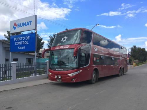 Bus à la frontière Perou-Bolivie