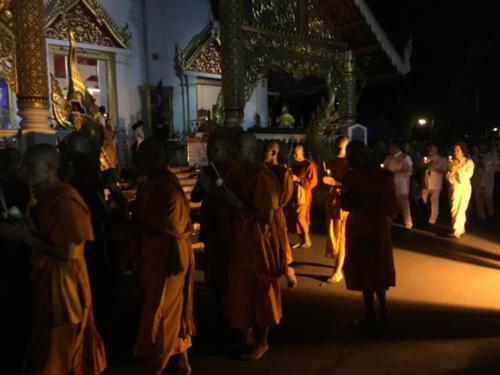 Célébration moines bouddhistes
