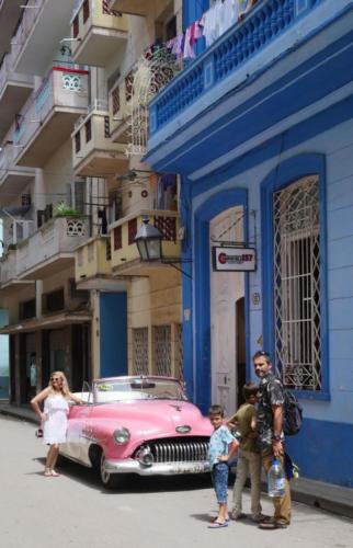La Chevrolet rose, La Havane
