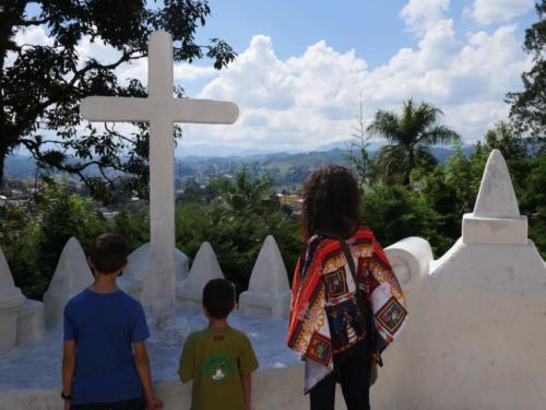 Dimanche matin, Eglise El Calvario, Coban