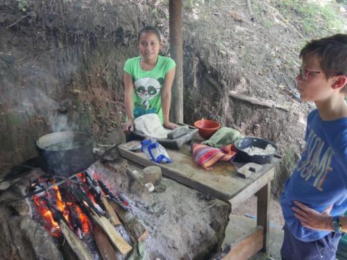 Fabrication des galettes de maïs, Apodip