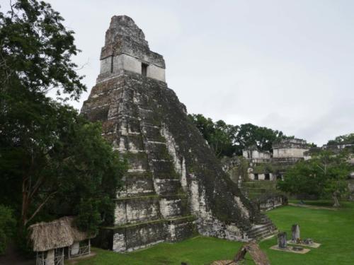 La grande pyramide, Tikal