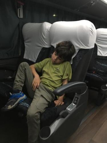 Le bus de nuit, Esteban