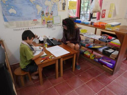 Les devoirs Esteban et Alexa
