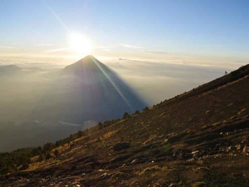 Lever de soleil sur le Volcan Agua