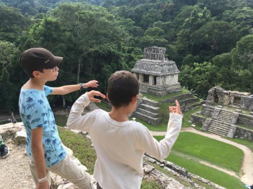 Louis et Esteban au sommet de Palenque