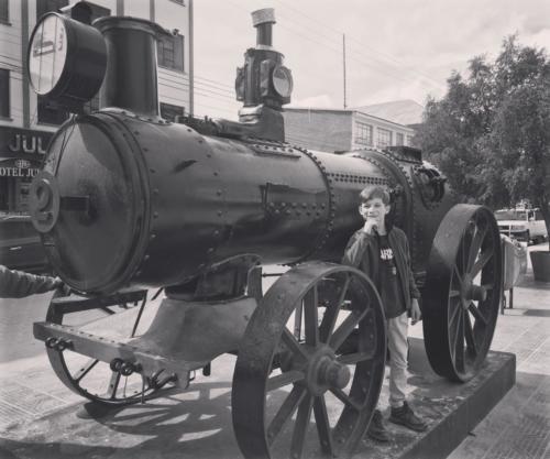 Louis et la locomotive à vapeur