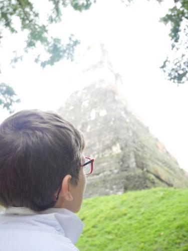 Louis et la pyramide, Tikal