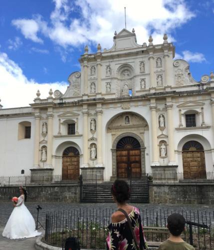 Mariage à l'église du parque central, Antigua