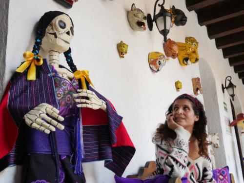 Préparation del dia de los muertos, Alexa, San Cristobal de las Casas
