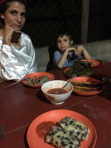 Repas traditionnel de brousse, Apodip, Guatemala