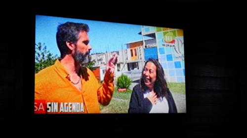 Stéphane et la recteur à la TV Marcala
