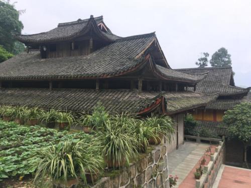 Temple Emei Shan