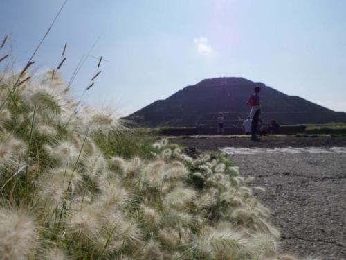 Teotihuacan pyramide1